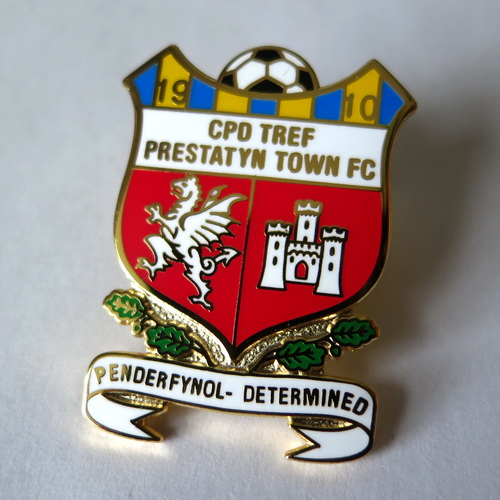 prestatyn town pin badge значок