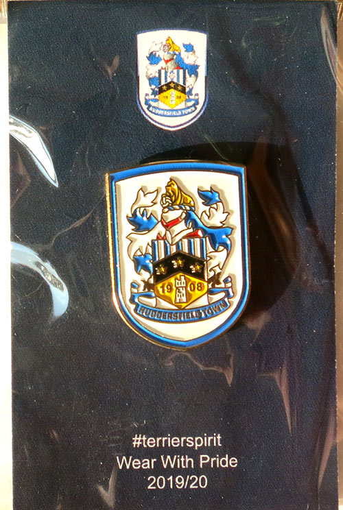 huddersfield town pin badge значок Хаддерсфилд